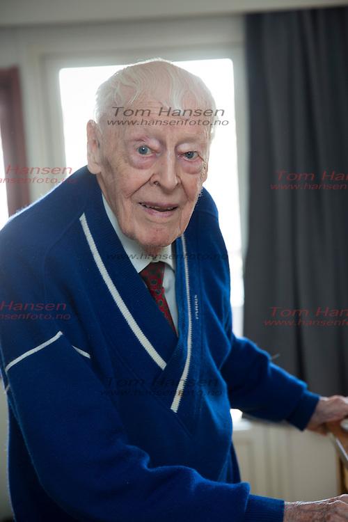 OSLO, 20160413: Legendariske Per Dorsett fyller straks 96 år. En svært oppegående og tilstedeværende mann snakker om livet så langt i Her og Nå.  FOTO: TOM HANSEN