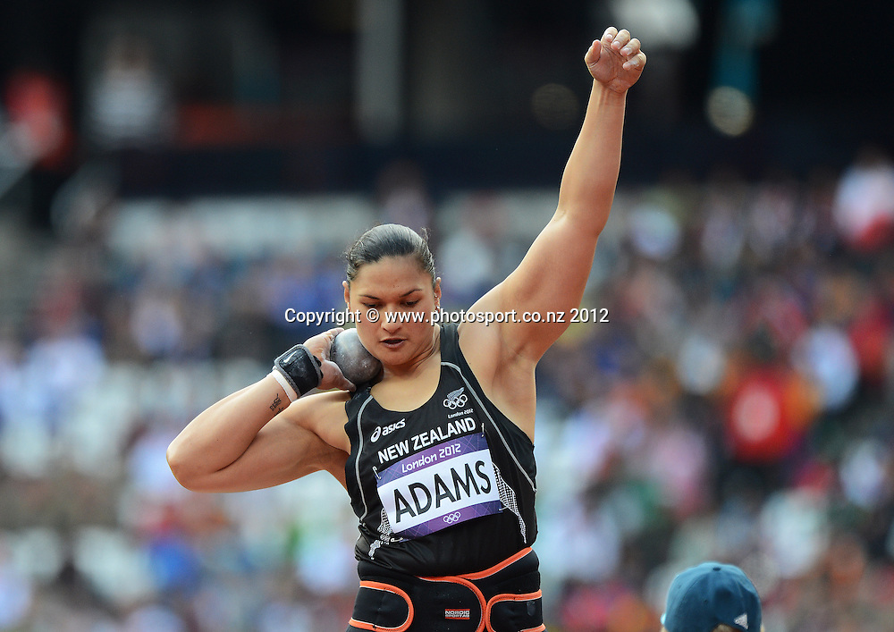 Valerie Adams during her qualifying throw in the Women's Shot Put. Track and Field. Olympic Stadium, London, United Kingdom. Monday 6 August 2012. Photo: Andrew Cornaga / photosport.co.nz