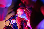 Ria Hall - Performance