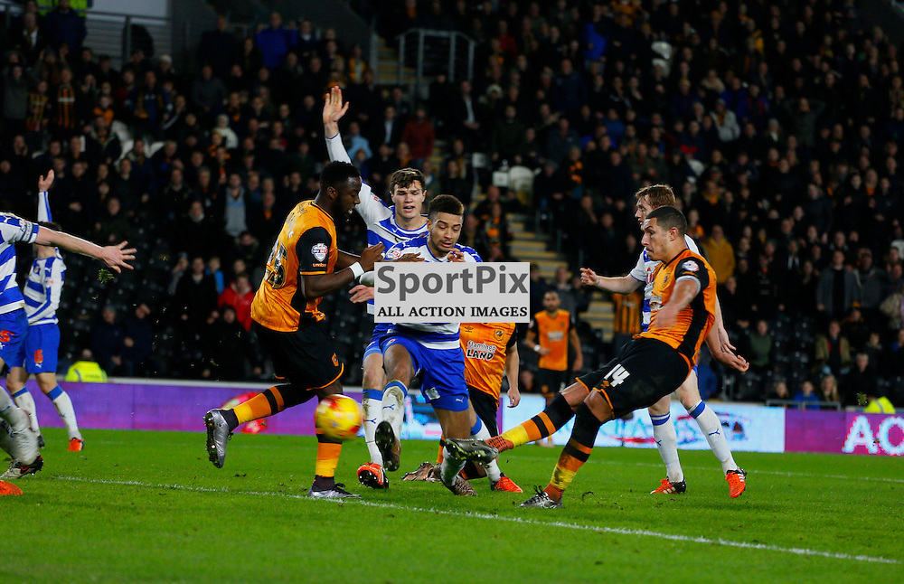 Jake Livermore scores the winner during Hull City v Reading, SkyBet Championship, Wednesday 16th December 2015, KC Stadium, Hull