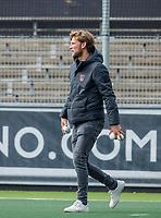 AMSTELVEEN  - Coach Robert Tigges (Adam)  voor de hoofdklasse competitiewedstrijd hockey dames , Amsterdam-Laren (3-0)  , COPYRIGHT KOEN SUYK