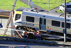 Lower Hutt-Tranz Metro train derails at Melling Station