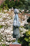 Bronzefigur Anne Frank am Merwedeplein, Amsterdam Zuid, Amsterdam Süd, Amsterdam, Holland, Niederlande