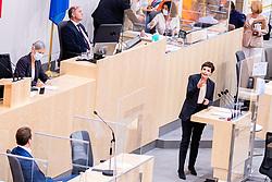 23.09.2020, Hofburg, Wien, AUT, Parlament, Sitzung des Nationalrates mit Aktueller Stunde der Gruenen, Europastunde, COVID-19 Massnahmengesetz, Sonderbetreuungszeit, Bildungsbonus, Kreditstundungen, Klimaschutz und weitere Corona-Hilfen, im Bild v. l. Sebastian Kurz (OeVP), Pamela Rendi-Wagner (SPOe) // during meeting of the National Council with Current Hour of the Greens, European Hour, COVID-19 measures law, special care time, education bonus, credit deferrals, climate protection and other corona aids at the Hofburg palace in Vienna, Austria on 2020/09/23, EXPA Pictures © 2020, PhotoCredit: EXPA/ Florian Schroetter