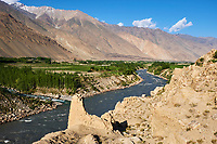 Tadjikistan, Asie centrale, Gorno Badakhshan, Haut Badakhshan, le Pamir, la forteresse de Khaakha dans la vallée du Wakhan, la rivière Panj sépare le Tadjikistan et l'Afghanistan // Tajikistan, Central Asia, Gorno Badakhshan, the Pamir, Khaakha fortress in Wakhan valley, Panj river between Tajikistan and Afghanistan