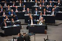 DEU, Deutschland, Germany, Berlin, 24.10.2017: Abgeordnete der Partei Alternative für Deutschland (AfD) und der FDP (links) bei der konstituierenden Sitzung des 19. Deutschen Bundestags mit Wahl des Bundestagspräsidenten.