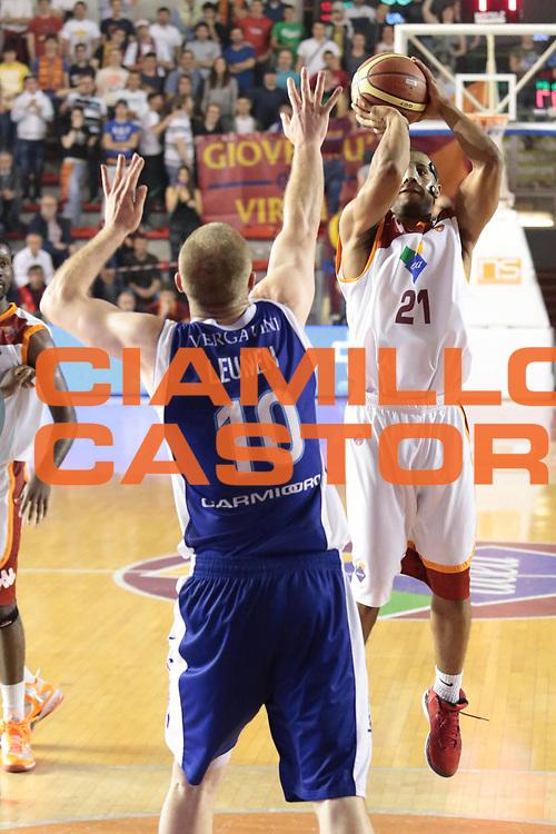 DESCRIZIONE : Roma Lega A 2012-2013 Acea Roma Lenovo Cantu playoff semifinale gara 1<br /> GIOCATORE : Jordan Taylor<br /> CATEGORIA : tiro<br /> SQUADRA : Acea Roma<br /> EVENTO : Campionato Lega A 2012-2013 playoff semifinale gara 1<br /> GARA : Acea Roma Lenovo Cantu<br /> DATA : 24/05/2013<br /> SPORT : Pallacanestro <br /> AUTORE : Agenzia Ciamillo-Castoria/M.Simoni<br /> Galleria : Lega Basket A 2012-2013  <br /> Fotonotizia : Roma Lega A 2012-2013 Acea Roma Lenovo Cantu playoff semifinale gara 1<br /> Predefinita :