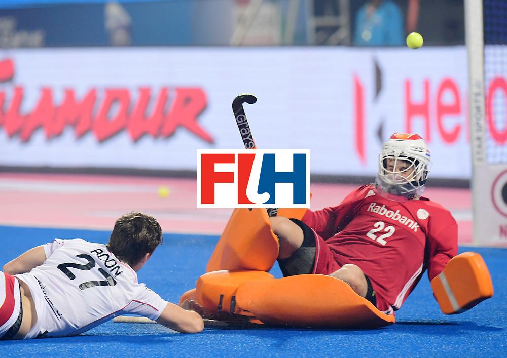 Odisha Men's Hockey World League Final Bhubaneswar 2017<br /> Match id:12<br /> Belgium v Netherlands<br /> Foto: Tom Boon (Bel) shoots on goal keeper Sam van der Ven (Ned) <br /> COPYRIGHT WORLDSPORTPICS FRANK UIJLENBROEK