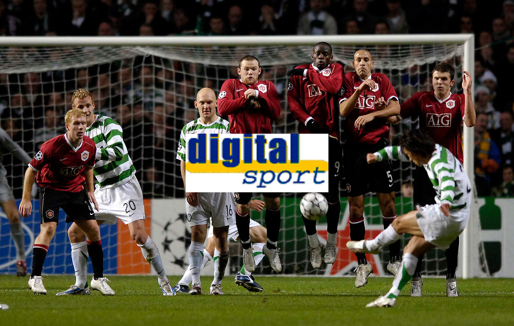 Photo: Jed Wee.<br /> Glasgow Celtic v Manchester United. UEFA Champions League, Group F. 21/11/2006.<br /> <br /> Celtic's Shunsuke Nakamura's freekick goal sends the home support wild.