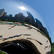 Cloud Gate sculpture ¨The Bean¨at Millenium park. Chicago, Illinois. USA.