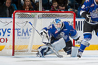 KELOWNA, CANADA - DECEMBER 30: Griffen Outhouse #30 of the Victoria Royals defends the net against the Kelowna Rockets on December 30, 2016 at Prospera Place in Kelowna, British Columbia, Canada.  (Photo by Marissa Baecker/Shoot the Breeze)  *** Local Caption ***