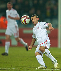 LILLE, FRANCE - Thursday, March 11, 2010: Liverpool's Javier Mascherano in action against LOSC Lille Metropole during the UEFA Europa League Round of 16 1st Leg match at the Stadium Lille-Metropole. (Photo by David Rawcliffe/Propaganda)