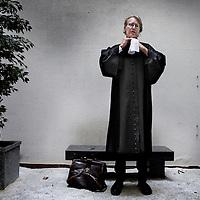 Nederland, Amsterdam , 29 april 2010..Martijn Zwennes, advocaat en voorzitter van Sociaal Advocatenburau op Spuitstraat 10, voorheen bureau voor rechtshulp..Foto:Jean-Pierre Jans