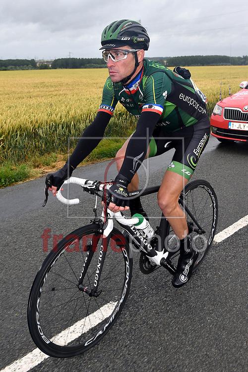 *BRAZIL ONLY* ATENÇÃO EDITOR, FOTO EMBARGADA PARA VEÍCULOS INTERNACIONAIS* Thomas Voeckler, da França, durante o Tour de France na cidade de Amiens, França. Foto: Tim de Waele/Dppi/Frame