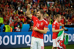 LILLE, FRANCE - Friday, July 1, 2016: Wales' goal-scorer Sam Vokes celebrates a 3-1 victory over Belgium and reaching the Semi-Final during the UEFA Euro 2016 Championship Quarter-Final match at the Stade Pierre Mauroy. (Pic by David Rawcliffe/Propaganda)