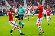 ALKMAAR - 19-03-2017, AZ - ADO Den Haag, AFAS Stadion, AZ speler Dabney dos Santos Souza (l) heeft de 2-0 gescoord, AZ speler Stijn Wuytens.