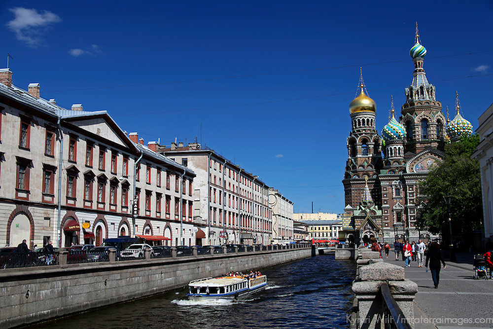 Europe, Russia, St. Petersburg. Church of the Spilled Blood and canal.