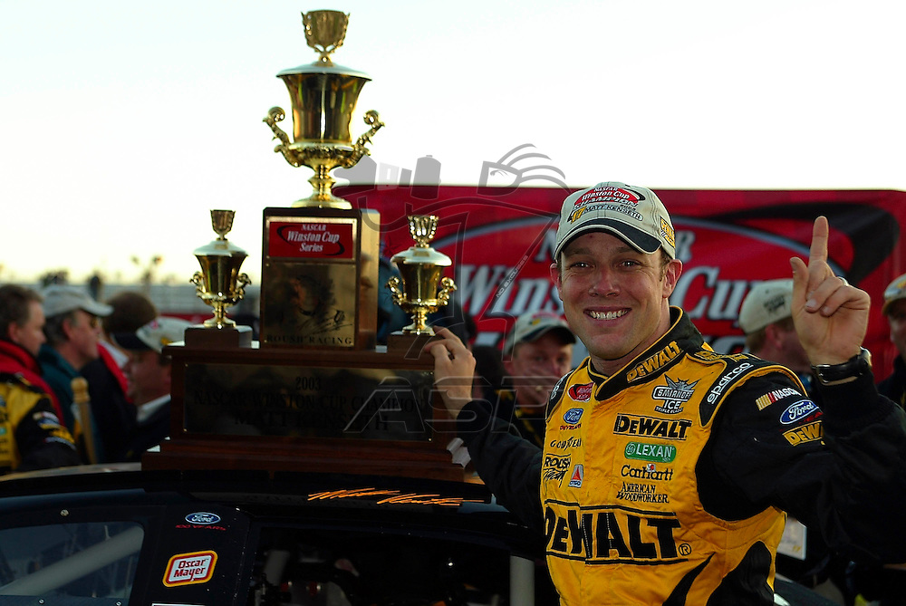 Matt Kenseth clinches the NASCAR Winston Cup Champion after finishing 4th at the North Carolina Motor Speedway in Rockingham, NC.  Bill Elliot went on to win the event, holding off Jimmie Johnson and the rest of the field.