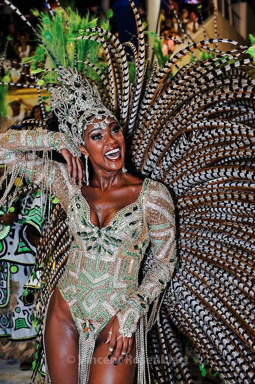 Cris Vianna - novela actress and Bateria Queen. Imperatriz Leopoldinense Samba School portrays the Amazon state of Pará for the 2013 edition.
