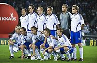 Fotball<br /> Lagbilde Finland<br /> 10.09.2008<br /> Foto: imago/Digitalsport<br /> NORWAY ONLY<br /> <br /> Mannschaftsfoto Finnland, hi.v.li.: Roman Eremenko, Toni Kallio, Mikael Forssell, Jonatan Johansson, Torwart Jussi Jääskeläinen, Markus Heikkinen; vorn: Sami Hyypiä, Petri Pasanen, Mika Väyrynen, Veli Lampi und Joonas Kolkka
