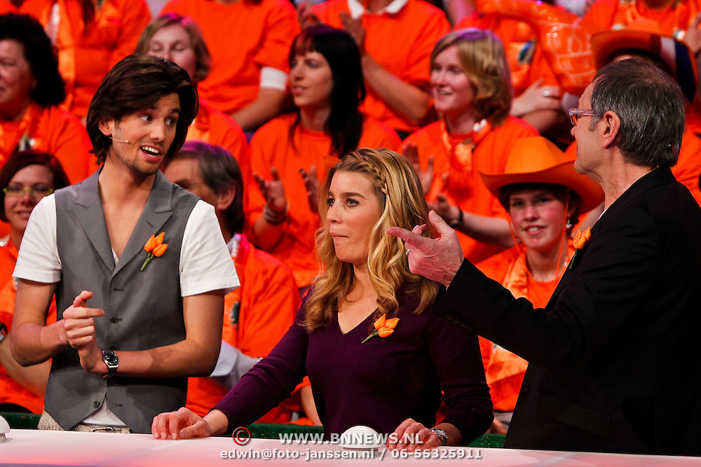 NLD/Baarn/20100408 - Opname programma Ik Hou van Holland, Ruud Feltkamp, Nicolien Sauerbreij en Rob de Nijs