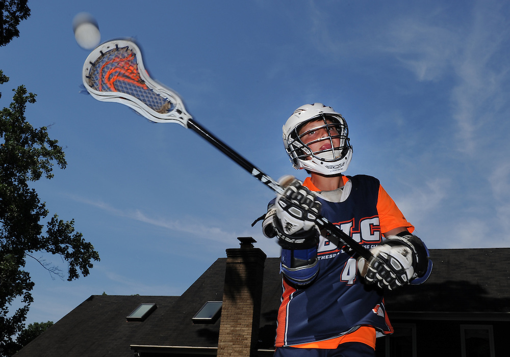 7/18/14 11:06:38 AM -- Bethesda, MD, U.S.A  -- Lacrosse player Isaac Aronson, 12, practices.  Photo by H. Darr Beiser, USA TODAY staff ORG XMIT:  HB 131400 CONCUSSION 07/18/2014 (Via OlyDrop)