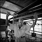 Juillet 2010. Palmar, Costa Rica.  Personnes agees dans un centre où ils finissent leurs jours. La Casa de Mayores de Palmar est le seule centre du sud du Costa Rica ne pas discriminer les personnes selon leurs maladies.