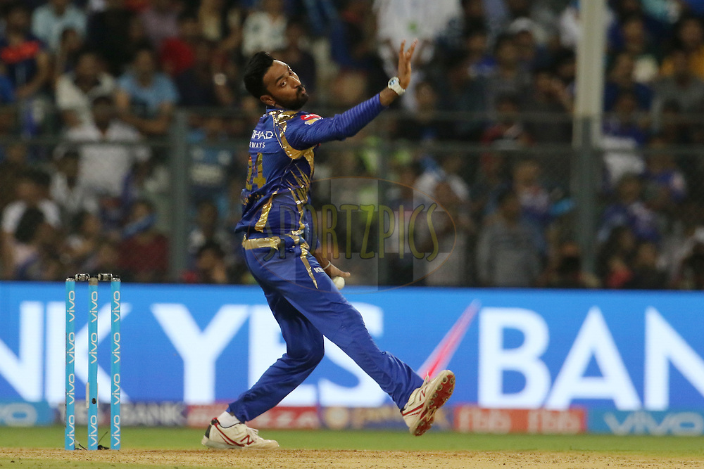 Krunal Pandya of the Mumbai Indians bowls during match 7 of the Vivo 2017 Indian Premier League between the Mumbai Indians and the Kolkata Knight Riders held at the Wankhede Stadium in Mumbai, India on the 9th April 2017<br /> <br /> Photo by Vipin Pawar - IPL - Sportzpics