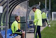 SWIDNIK, POLEN 2017-06-14<br /> Gustav Engvall talar med H&aring;kan Ericsson under U21 landslagets tr&auml;ning p&aring; Stadion Miejski den 14 juni 2017.<br /> Foto: Nils Petter Nilsson/Ombrello<br /> Fri anv&auml;ndning f&ouml;r kunder som k&ouml;pt U21-paketet.<br /> Annars Betalbild.<br /> ***BETALBILD***