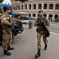 Terrorist alarm in Rome, Strengthen security measures
