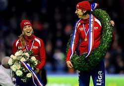 28-12-2010 SCHAATSEN: KPN NK ALLROUND EN SPRINT: HEERENVEEN<br /> Margot Boer en Annette Gerritsen (Liga) wordt Nederlands kampioen sprint<br /> ©2010-WWW.FOTOHOOGENDOORN.NL
