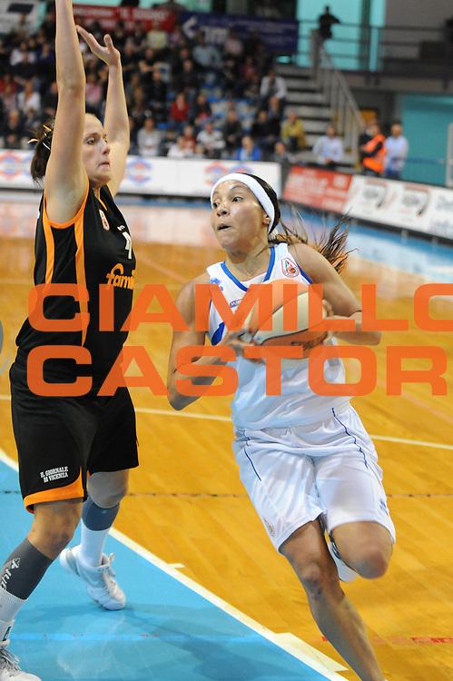 DESCRIZIONE : Faenza LBF Playoff Semifinale Gara3 Club Atletico Faenza Famila Schio<br /> GIOCATORE : Adriana Moises Pinto<br /> SQUADRA : Club Atletico Faenza<br /> EVENTO : Campionato Lega Basket Femminile A1 2009-2010<br /> GARA : Club Atletico Faenza Famila Schio<br /> DATA : 27/04/2010 <br /> CATEGORIA : tiro<br /> SPORT : Pallacanestro <br /> AUTORE : Agenzia Ciamillo-Castoria/M.Marchi<br /> Galleria : Lega Basket Femminile 2009-2010<br /> Fotonotizia : Faenza LBF Playoff Semifinale Gara3 Club Atletico Faenza Famila Schio <br /> Predefinita :