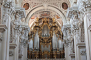 Dom innen, Orgel, Passau, Bayerischer Wald, Bayern, Deutschland | interior of cathedral, organ, Passau, Bavarian Forest, Bavaria, Germany