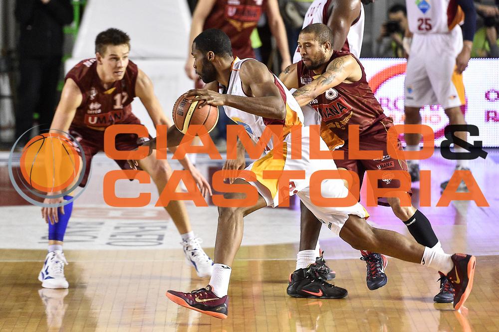 DESCRIZIONE : Campionato 2014/15 Virtus Acea Roma - Umana Reyer Venezia<br /> GIOCATORE : Kyle Gibson<br /> CATEGORIA : Palleggio Penetrazione Controcampo<br /> SQUADRA : Virtus Acea Roma<br /> EVENTO : LegaBasket Serie A Beko 2014/2015<br /> GARA : Virtus Acea Roma - Umana Reyer Venezia<br /> DATA : 01/02/2015<br /> SPORT : Pallacanestro <br /> AUTORE : Agenzia Ciamillo-Castoria/GiulioCiamillo<br /> Predefinita :