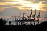 Nederland, Rotterdam, 15-9-2012Eerste maasvlakte. Op de achtergrond de elektriciteitscentrale van E-ON. the new land.Foto: Flip Franssen/Hollandse Hoogte
