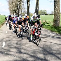 16-04-2016: Wielrennen: IJsseldelta Topcompetitie vrouwen: Zwolle<br />ZWOLLE (NED) wielrennen Wind was in deze editie de grootste tegenstanders van de vrouwen.<br />Monique van der Ree, Thalita de Jong, Olga Zablinskaia, Mieke Kroger
