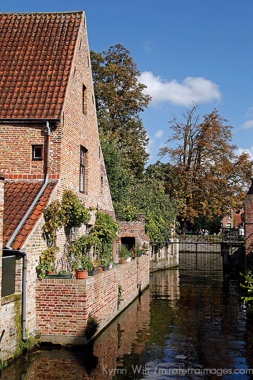 Europe, Belgium, Brugges. Canal view in Brugges.