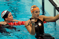 15-08-2008 ZWEMMEN: OS 2008 ZWEMMEN: BEIJING<br /> Nathalie Coughlin USA en Marleen Veldhuis<br /> ©2008-WWW.FOTOHOOGENDOORN.NL