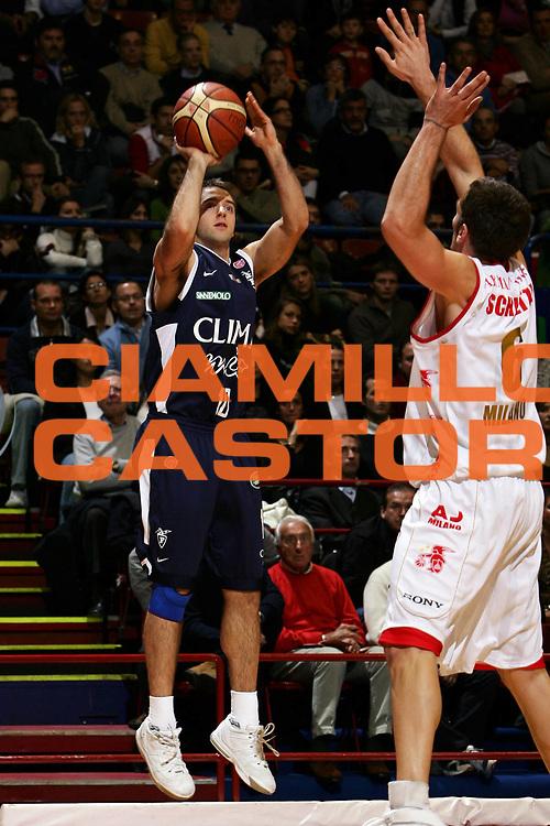 DESCRIZIONE : Milano Lega A1 2006-07 Armani Jeans Milano Climamio Fortitudo Bologna<br /> GIOCATORE : Cavaliero<br /> SQUADRA : Climamio Fortitudo Bologna<br /> EVENTO : Campionato Lega A1 2006-2007<br /> GARA : Armani Jeans Milano Climamio Fortitudo Bologna<br /> DATA : 12/11/2006<br /> CATEGORIA : Tiro<br /> SPORT : Pallacanestro<br /> AUTORE : Agenzia Ciamillo-Castoria/L.Lussoso<br /> Galleria : Lega Basket A1 2006-2007<br /> Fotonotizia : Milano Campionato Italiano Lega A1 2006-2007 Armani Jeans Milano Climamio Fortitudo Bologna<br /> Predefinita :