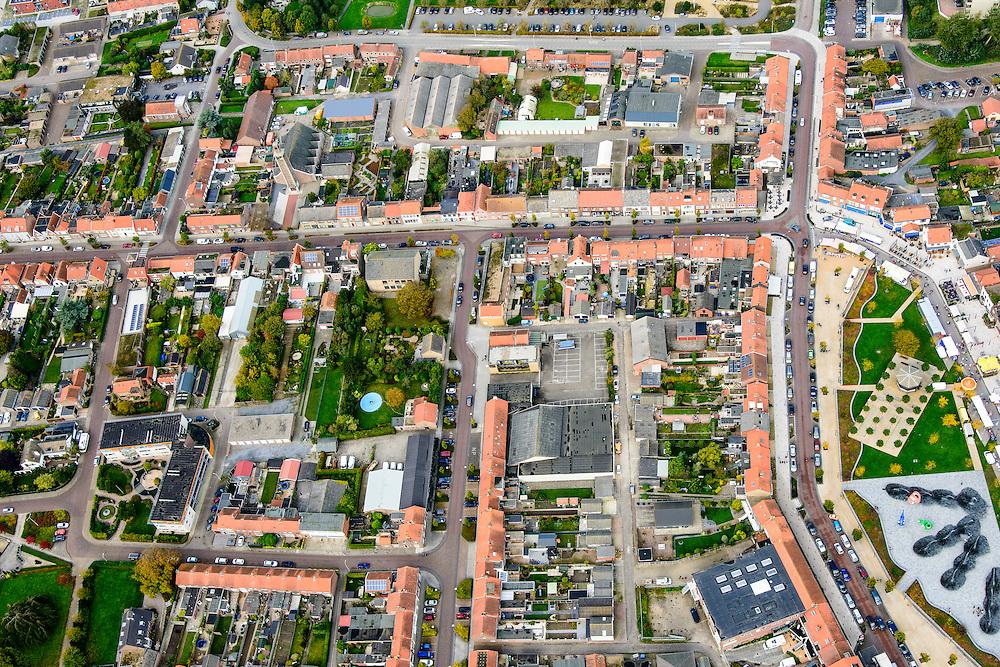 Nederland, Zeeland, Zeeuws-Vlaanderen, 19-10-2014; centrum Breskens met dorpsstraat richting Spuiplein<br /> Downtown Breskens with its mainstreet Villagestreet (Dorpsstraat).<br /> <br /> luchtfoto (toeslag op standard tarieven);<br /> aerial photo (additional fee required);<br /> copyright foto/photo Siebe Swart