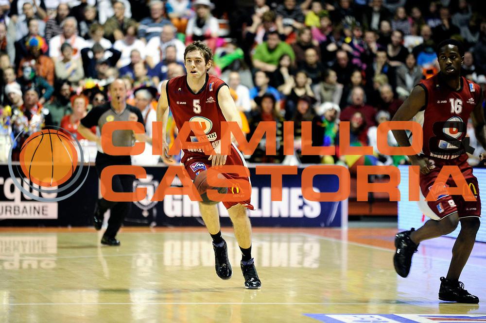 DESCRIZIONE : Championnat de France Pro A  a Gravelines Match de carnaval<br /> GIOCATORE :  Causeur Fabien<br /> SQUADRA : Cholet<br /> EVENTO : Pro A <br /> GARA : Gravelines Cholet<br /> DATA : 25/02/2012<br /> CATEGORIA : Basketball France Homme<br /> SPORT : Basketball<br /> AUTORE : JF Molliere<br /> Galleria : France Basket 2011-2012 Action<br /> Fotonotizia : Championnat de France Basket Pro A Match de Carnaval<br /> Predefinita :
