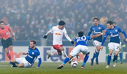 08.12.2016, Red Bull Arena, Salzburg, AUT, UEFA EL, FC Red Bull Salzburg vs Schalke 04, Gruppe I, im Bild Junior Caicara (FC Schalke 04), Takumi Minamino (FC Red Bull Salzburg), Thilo Kehrer (FC Schalke 04), Benjamin Stambouli (FC Schalke 04) , Sascha Riether (FC Schalke 04) // Junior Caicara (FC Schalke 04), Takumi Minamino (FC Red Bull Salzburg), Thilo Kehrer (FC Schalke 04), Benjamin Stambouli (FC Schalke 04) , Sascha Riether (FC Schalke 04) during the UEFA Europa League group I match between FC Red Bull Salzburg and Schalke 04 at the Red Bull Arena in Salzburg, Austria on 2016/12/08. EXPA Pictures © 2016, PhotoCredit: EXPA/ JFK
