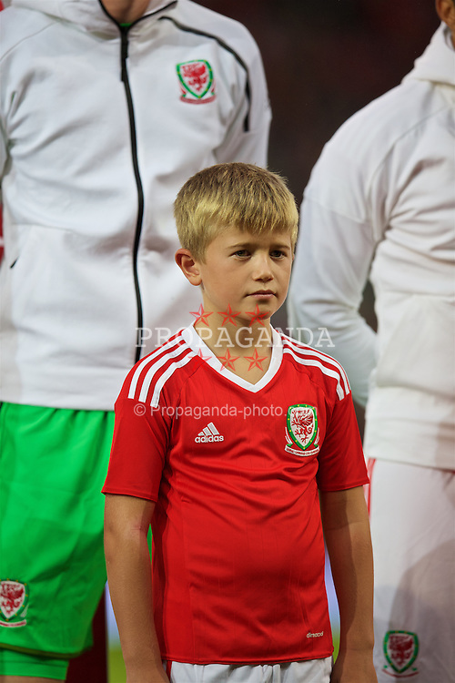 CARDIFF, WALES - Monday, September 5, 2016: A mascot lines-up before the 2018 FIFA World Cup Qualifying Group D match against Moldova at the Cardiff City Stadium. (Pic by David Rawcliffe/Propaganda)