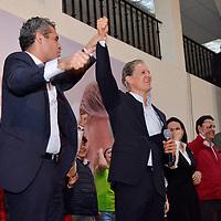 TOLUCA, Mexico (Mayo 09,2017).-  Alfredo del Mazo Maza candidato a la gubernatura del Estado de México por la coalición PRI, PVEM, PANAL y PES, acompañado del líder nacional del PRI, Enrique Ochoa Reza, y después de participar en el segundo debate organizado por el Instituto Electoral del Estado de México (IEEM), agradeció a los militantes y simpatizantes por todo el apoyo y respaldo en todos estos días de campaña y aseguro que el 4 de junio va a ganar. Agencia MVT. José Hernández.