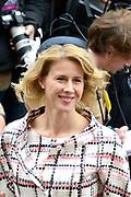 Prinsjesdag 2013 - Aankomst Parlementariërs bij de Ridderzaal op het Binnenhof.<br /> <br /> Op de foto:  Tweede Kamerlid van het CDA Mona Keijzer