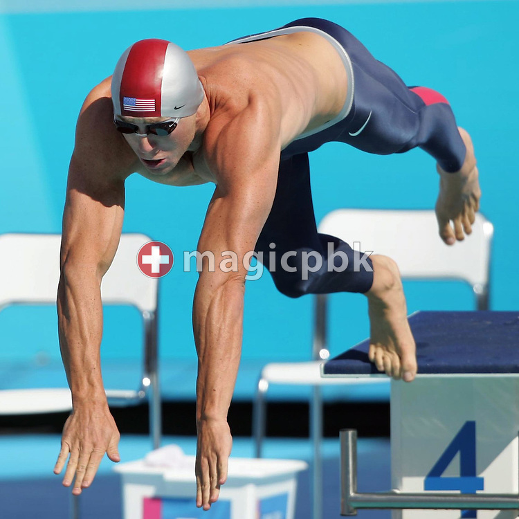 US swimmer Jason Lezak starts to his men's 50m Freestyle qualifying heat at the Athens Olympic Aquatic Centre, Thursday, 19 August 2004.      (Photo by Patrick B. Kraemer / MAGICPBK)