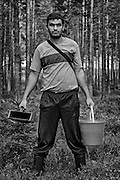 Daniel Marinov, Bulgarian Roma picking berries in Sweden
