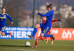 ZENICA, BOSNIA AND HERZEGOVINA - Tuesday, November 28, 2017: Wales' Jessica Fishlock during the FIFA Women's World Cup 2019 Qualifying Round Group 1 match between Bosnia and Herzegovina and Wales at the FF BH Football Training Centre. (Pic by David Rawcliffe/Propaganda)