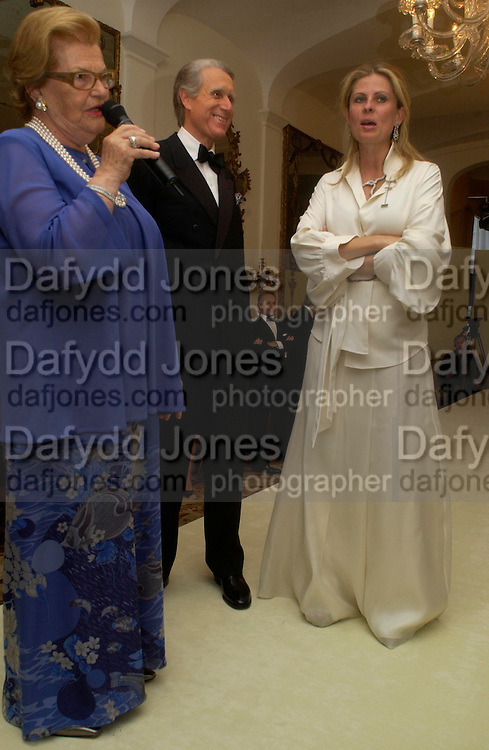 Wanda Ferragamo, The Ambassador of Italy and Lady Forte , An Evening in honour of Salvatore Ferragamo hosted by the Ambassador of Italy. The Italian Embassy, 4 Grosvenor Square. London W1. 8 June 2005. ONE TIME USE ONLY - DO NOT ARCHIVE  © Copyright Photograph by Dafydd Jones 66 Stockwell Park Rd. London SW9 0DA Tel 020 7733 0108 www.dafjones.com