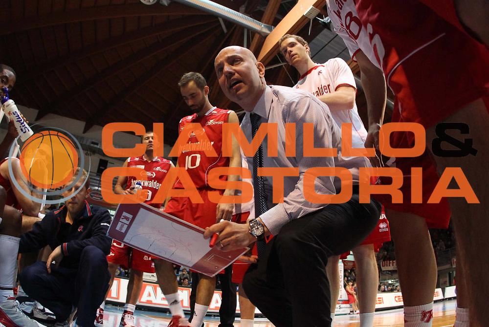 DESCRIZIONE : Faenza Lega Basket A2 2011-12 Aget Imola Trenkwalder Reggio Emilia<br /> GIOCATORE : Massimiliano Menetti<br /> CATEGORIA : timeout<br /> SQUADRA : <br /> EVENTO : Campionato Lega A2 2011-2012<br /> GARA : Aget Imola Trenkwalder Reggio Emilia<br /> DATA : 05/01/2012<br /> SPORT : Pallacanestro<br /> AUTORE : Agenzia Ciamillo-Castoria/M.Marchi<br /> Galleria : Lega Basket A2 2011-2012 <br /> Fotonotizia : Faenza Lega Basket A2 2011-12 Aget Imola Trenkwalder Reggio Emilia<br /> Predefinita :